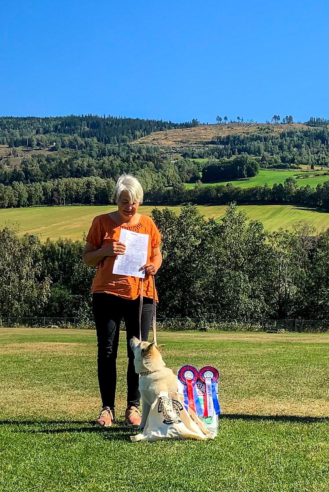 Beste buhund klasse 2: Kirsten og Elli (Skaubo's Elli)